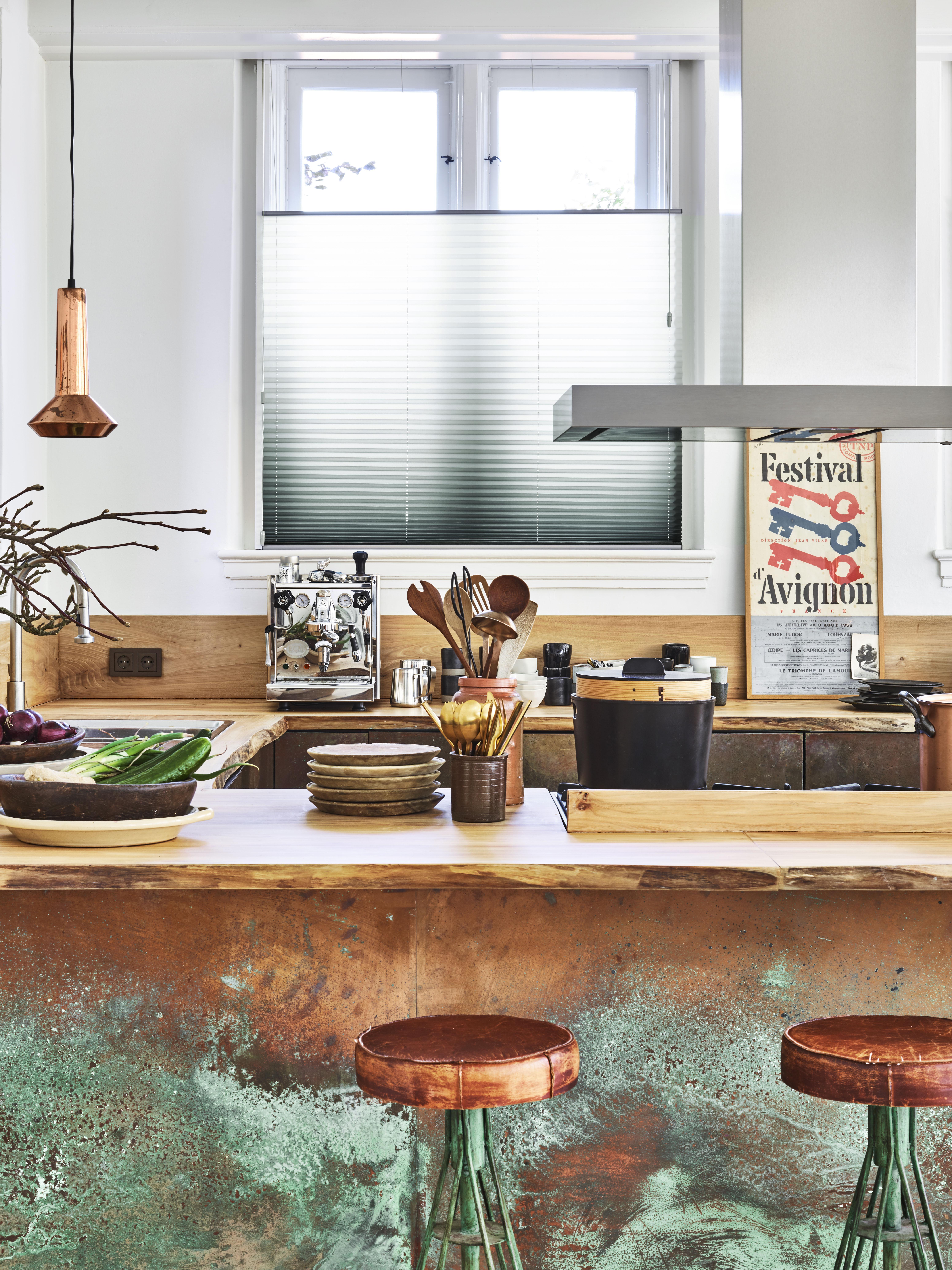 Plisségardiner på kjøkken